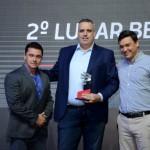 Marcelo Gohen, da Belvitur, entre Igor Miranda e Daniel Almeida, da Latam