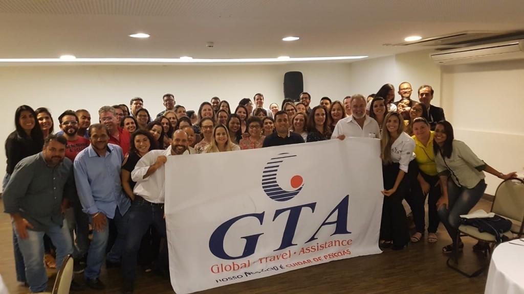 O presidente Celso Guelfi foi ao encontro dos agentes nos dois estados
