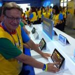 Roberto Bessi da CVC Rio de Janeiro testando as funcionalidades