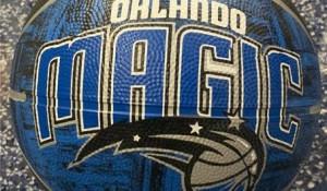 Promoção do Orlando Magic presenteia clientes com bola de basquete oficial