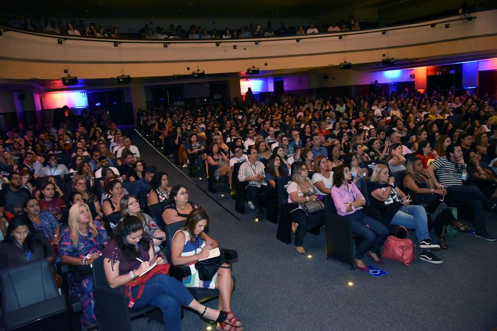 Teatro Riachuelo recebeu mais de 400 agentes do Rio de Janeiro