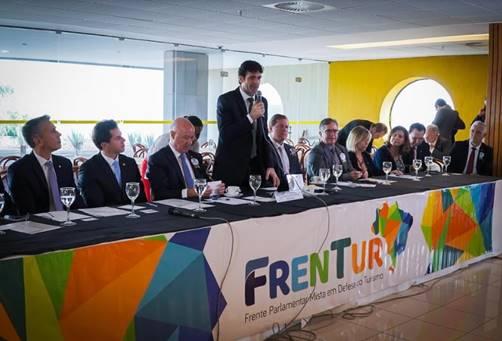 O ministro do Turismo, Marcelo Álvaro Antonio, participou da cerimônia de instalação da Frentur