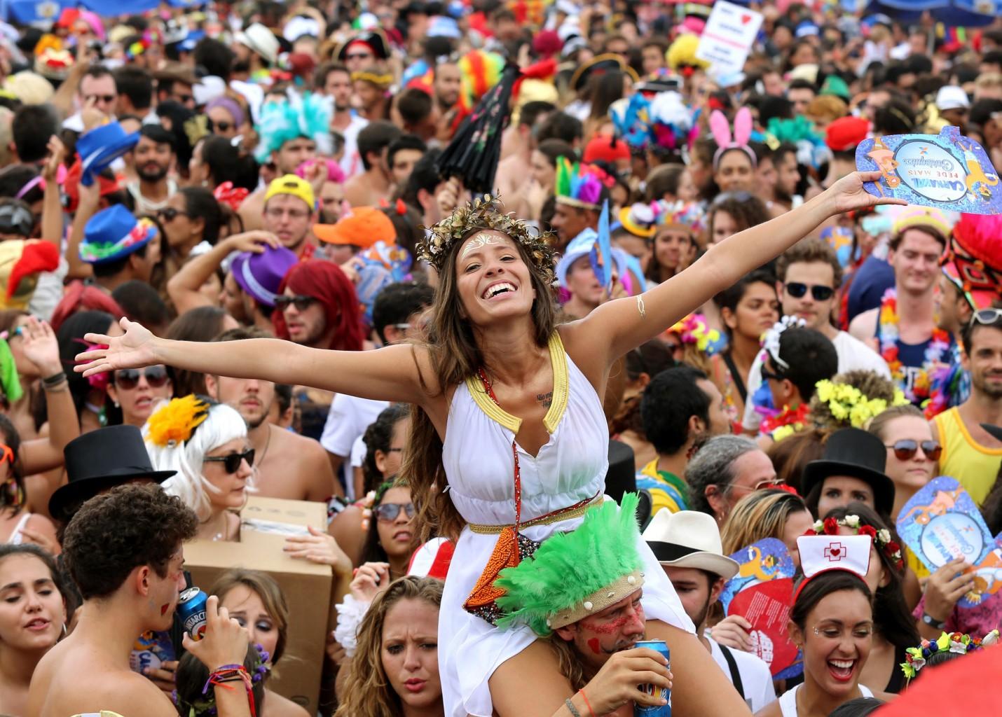 Carnaval vai movimentar R$ 6,78 bilhões e gerar 23 mil vagas no Brasil, diz CNC