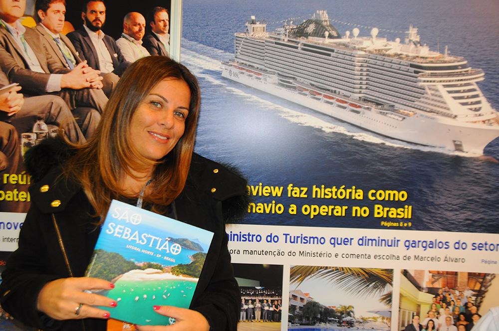 Adriana Balbo, secretária de Turismo de São Sebastião, visitou o estande do M&E