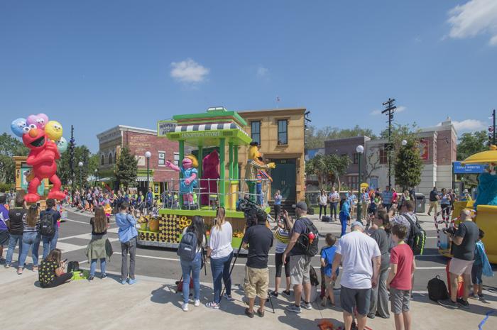 Visitantes poderão curtir mais de 30 atividades e o primeiro desfile de rua diário do parque