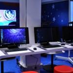 Sala de computadores para crianças e adolescentes