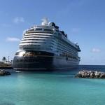 Disney Dream parado em Castaway Cay