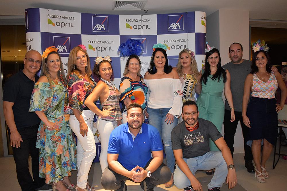 Equipe APRIL Brasil Seguro Viagem durante o pre-Carnaval do Trade no Rio de Janeiro