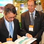 Fausto Franco, secretário, e Benedito Braga, subsecretário de Turismo, conheceram a revista do M&E para esta BTL 2019
