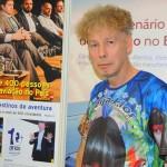 Frank Urich, com a camisa da Beija-Flor, foi ao estande do M&E conta um pouco das suas 63 viagens ao Brasil