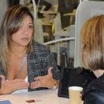 Lia Coutinho, do LSH, já começou o dia atendendo os buyers internacionais