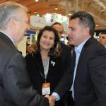 Luiz Alberto Machado, embaixador do Brasil em Portugal, Teté Bezerra, presidente da Embratur, e Gilmar Piolla, secretário de Turismo de Foz do Iguaçu