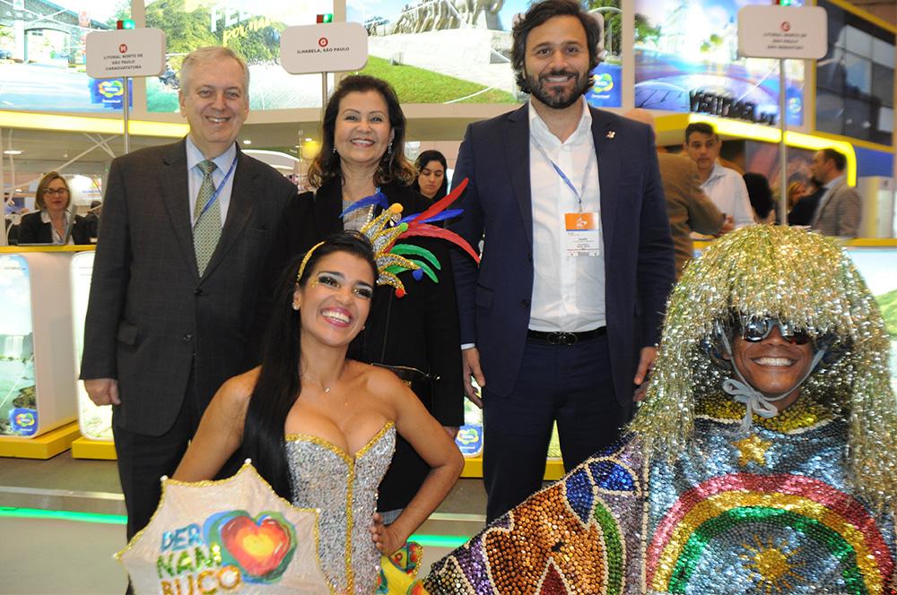 Luiz Alberto, embaixador do Brasil em Portugal, Teté Bezerra, presidente da Embratur, Rodrigo Novaes, secretário de Turismo de PE, com Jozy Caxiado e Cleison Barros, de PE