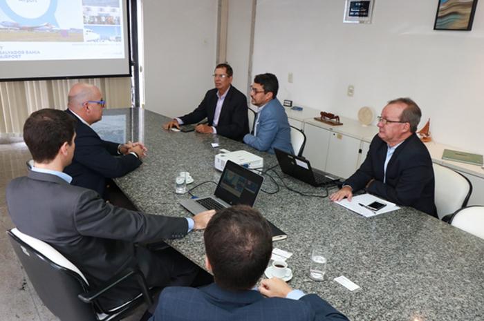 Estiveram presentes Fausto Franco, secretário estadual do Turismo, Benedito Braga, subsecretário, Júlio Ribas, diretor-presidente do aeroporto de Salvador e representantes da Vinci Airports