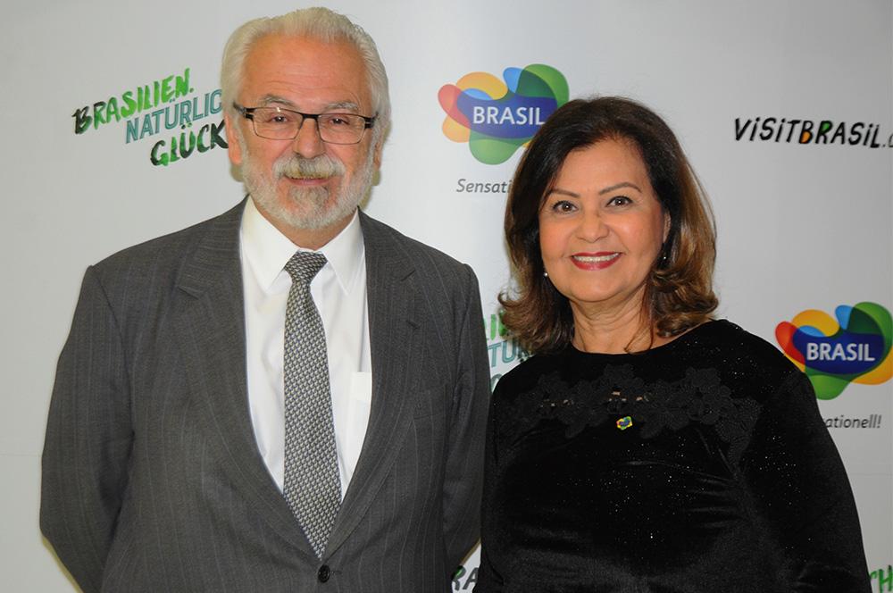 Roberto Jaguaribe, embaixador do Brasil na Alemanha, e Teté Bezerra, presidente da Embratur