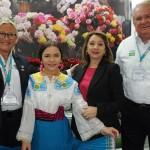 Rosa Masgrau e Roy Taylor, do M&E, visitaram o estande do Equador e foram recebidos pela ministra do Turismo, Rosi Prado]