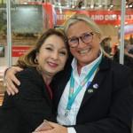 Rosi Prado, ministra do Turismo do Equador, com Rosa Masgrau, do M&E