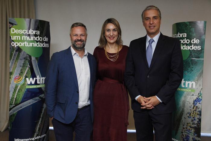 Simon Mayle, diretor da ILTM, Luciane leite, diretora da WM-LA, e Fernando Fischer, presidente da Reed