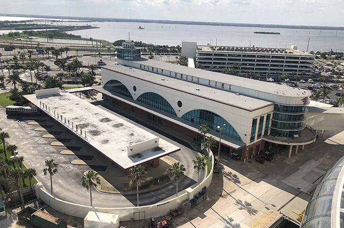 Terminal de cruzeiros em Port Canaveral, na Florida