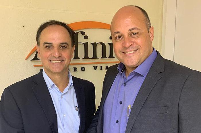 Wilson Ramos, gerente Comercial de SP, com Washington Marcilio, gerente para o interior de SP