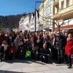 Grupo no centro da cidade de Karlovy Vary