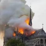 Um fato marcante de Abril foi o incêndio na Catedral de Notre-Dame
