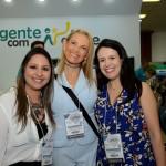 Alexandra Caprioli, do Turismo de Campinas, entre Kelly Castange e Juliana Assumpção, da Aviesp