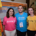 Amauri Barbosa, da Turnet, entre Ana Rita e Priscila Feola, do Rio Grande do Norte