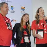 Aroldo Schultz com sua filha Luiza e esposa Andrea Schultz