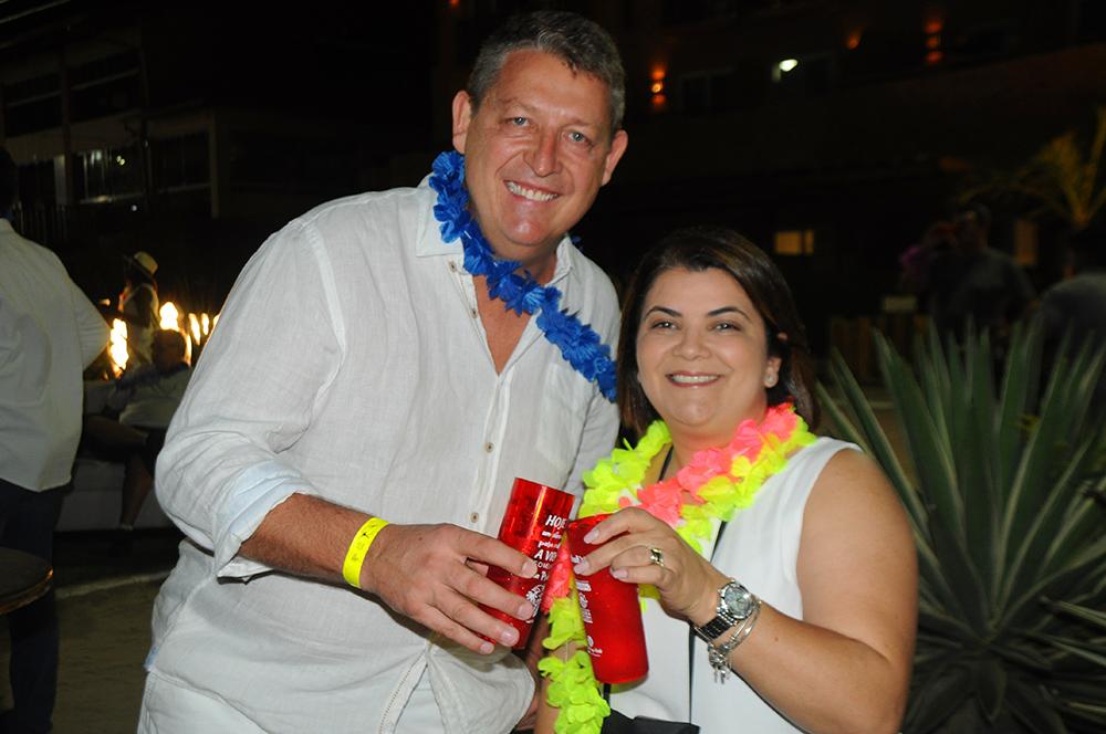 Aroldo Schultz, presidente, e Ana Santana, diretora da Schultz