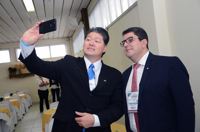 Bruno Omori, presidente da ABIH-SP, e Marcos Lucas, presidente da Aviesp