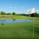 Campo de golf é um dos atrativos do resort