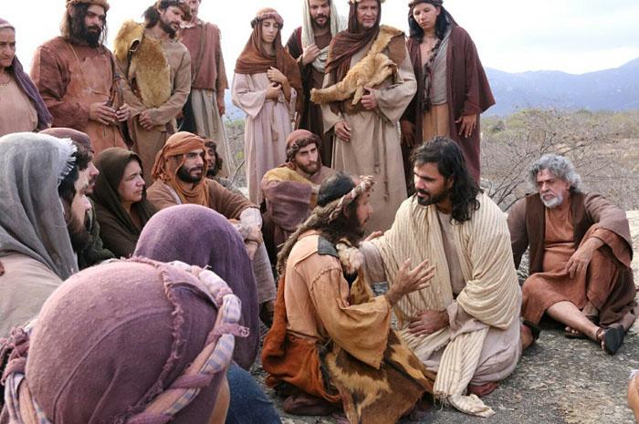 Cenas sobre sobre a morte e ressurreição de Jesus atraem milhares de turistas (Foto: divulgação)