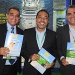 Claudio Junior entre Breno e Bruno Mesquita, do JPA Travel Market