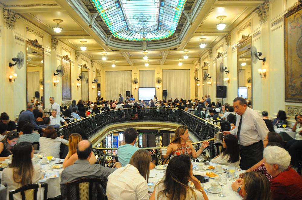 Confeitaria Colombo recebeu cerca de 200 agentes de viagens