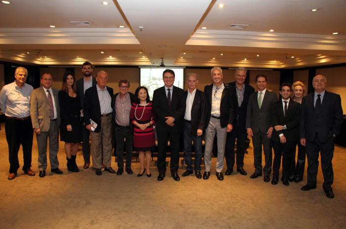 A pedido do atual governador, João Dória, Vinicius Lummertz criou o primeiro Conselho de Gestão do Turismo Paulista