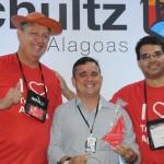 Diogo, diretor Comercial do Maceió Atlantic Suites, com Aroldo Schultz e Woody Garcia, da Schultz