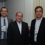Edmilson Romão, da Abav-SP, Toni Santos, do Visit São Paulo, e André Eduardo, prefeito de Socorro