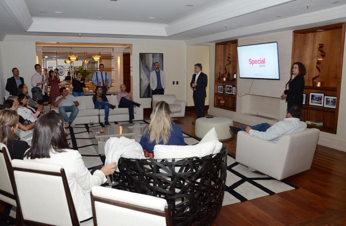 Evento da Visual e Special Tours aconteceu na suíte presidencial do Hotel Renaissance, em São Paulo.