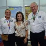 Flavia Didomenico, de Santa Catarina, entre Rosa Masgrau e Roy Taylor, do M&E