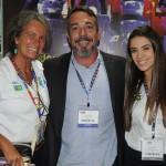 Gerson Teixeira, de Santa Catarina, com Mari Masgrau e Isabelle Dall Olio, do M&E
