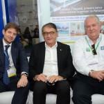 Gonzalo Romero, da Air Europa, Arialdo Pinho, secretário de Turismo do Ceará, e Roy TAylor, do M&E