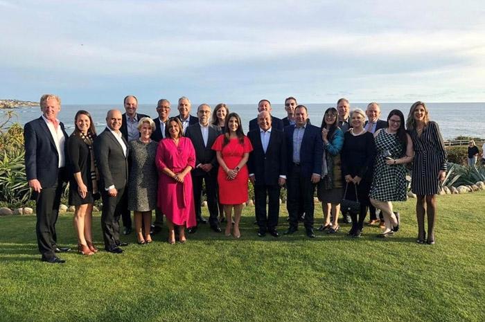 José RobertoTrinca e os profissionais reunidos no requintado Hotel Montage de Laguna Beach.