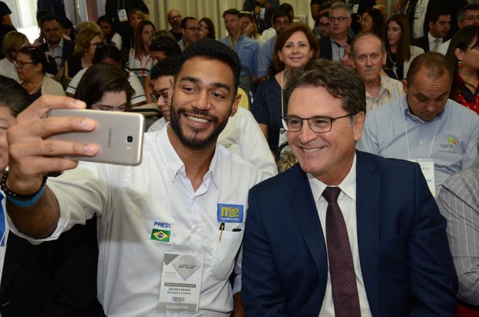 Juliano Braga, do M&E, e Vinicius Lummertz, secretário de Turismo de SP