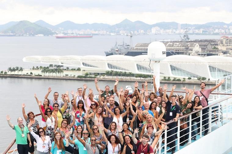 MTurs levou alunos de cursos de qualificação profissional para visita técnica a bordo do MSC Fantasia, no Rio de Janeiro. (Foto: Roberto Castro/MTur)