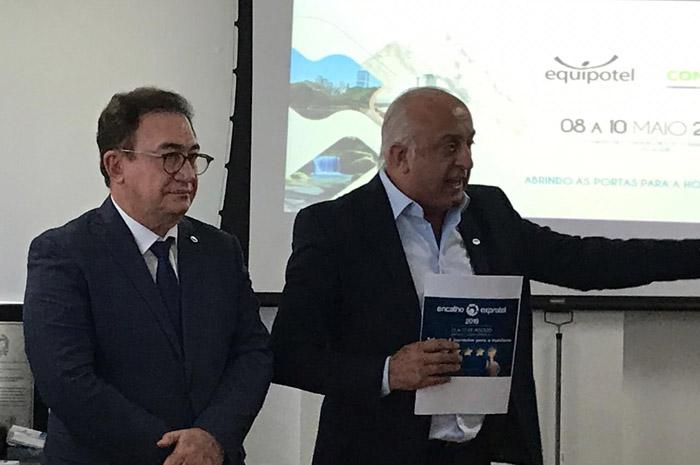Manoel Linhares, presidente da ABIH Nacional, e Osmar José Vailatti, presidente da ABIH-SC
