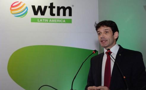 Ministro do Turismo: aumentar a competitividade para reduzir custo das viagens