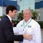Marcelo Álvaro Antônio, ministro do Turismo, com Roy Taylor, do M&E