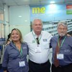 Marcia Melo e Miguel Andrade, da Transmundi, com Roy Taylor, do M&E
