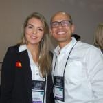 Melissa Batulevicius, Trade Sales Manager da Legoland Florida Resort e Gabriel Martinez, International Tourism Sales do VisitLauderdale